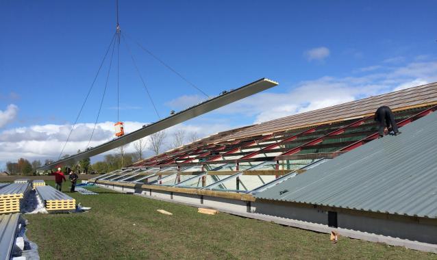 Nieuw dak met de CB5 in Sint Annaparochie